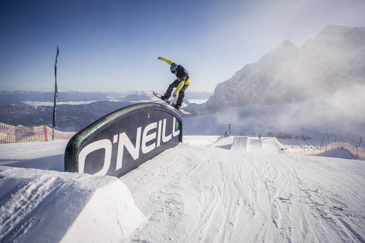 Pleasure Jam 2014 Petar Gyoshakov freestyle snowboarding